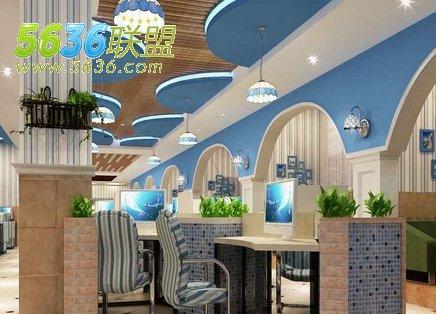 网吧室内装修色彩主要以海水蓝为主,突出了地中海装修特色,细节方面也